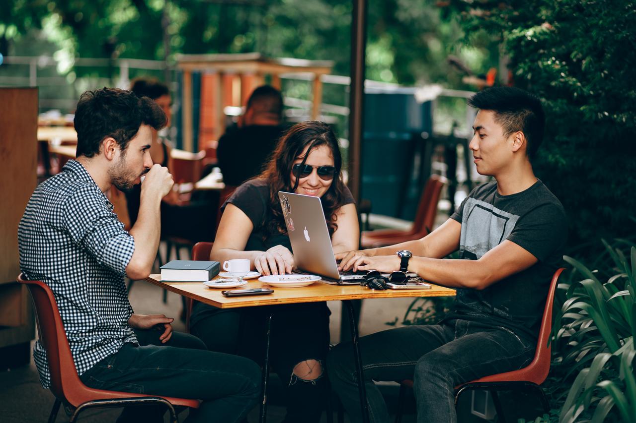 Sanaluzman, freelancer, Digital Nomad, Dijital Göçebe cadde